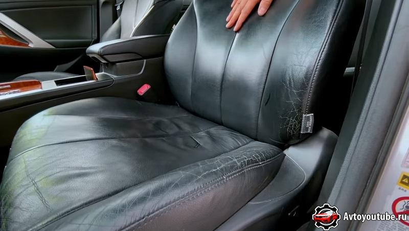 Перед покупкой Камри 40 кузов обращаем внимание на состояние кожи сидений